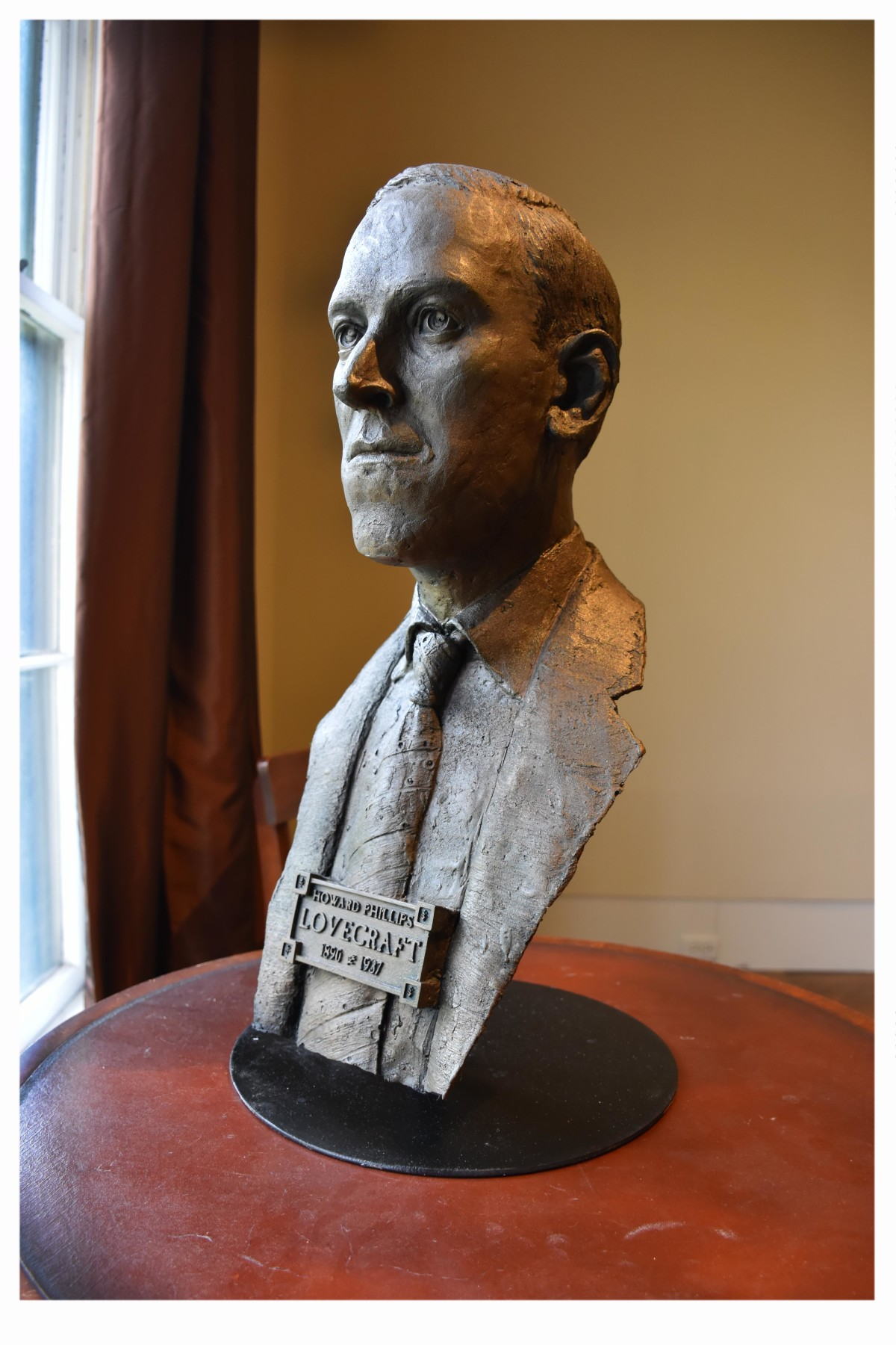 HP Lovecraft Bust 2